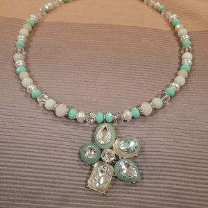 Cato Mint green & cream spring/summer necklace